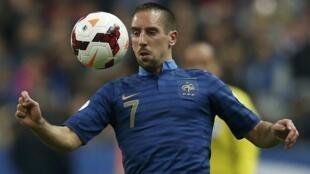 Franck Ribery não vai poder tocar o esférico no Mundial do Brasil
