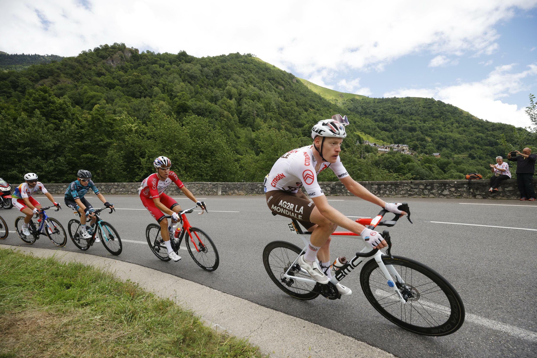 17-й этап «Тур де Франс» Мюре – Сен-Лари-Сулан 14 июля 2021.