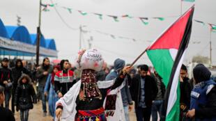 巴勒斯坦民眾在加沙地帶與以色列交界地區舉行示威活動,