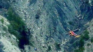 Primeiras imagens do local do acidente do Airbus A320 da Germanwings são divulgadas nas redes sociais.