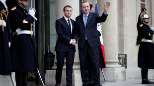 法国总统马克龙在爱丽舍宫迎接土耳其总统埃尔多安到访 2017 1 5