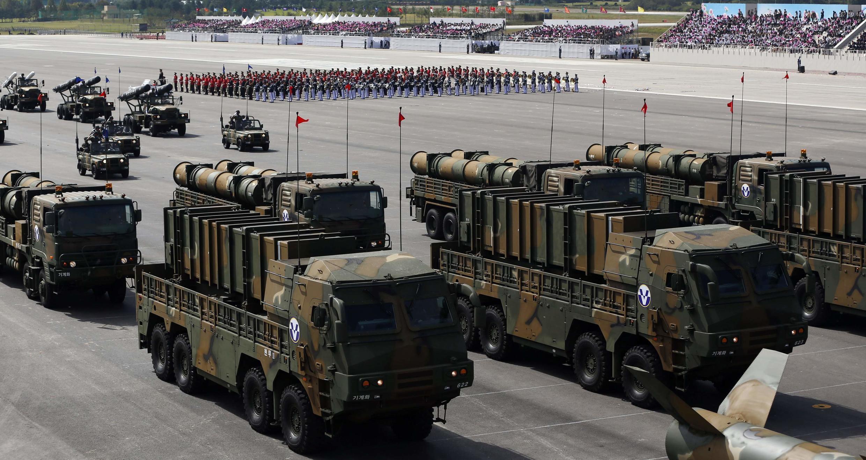 Les nouveaux missiles de croisières sud-coréens Hyunmoo-3 and Hyunmoo-2 déployés durant les festivités du 65e anniversaire de l'armée à l'aéroport militaire de Seongnam, au sud de Séoul le 1er octobre 2013.