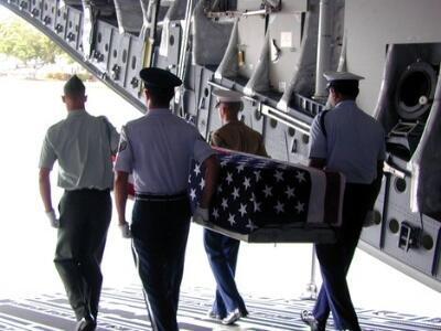Hơn 200 hài cốt lính Mỹ đã được đưa về Hoa Kỳ (Reuters)