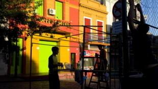 Le quartier de La Bocca à Buenos Aires où l'on peut voir des danseurs de tango.