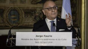 El canciller argentino Jorge Faurie se reunió con su homólogo francés Jean-Yves Le Drian en París, el 3 de abril de 2018.