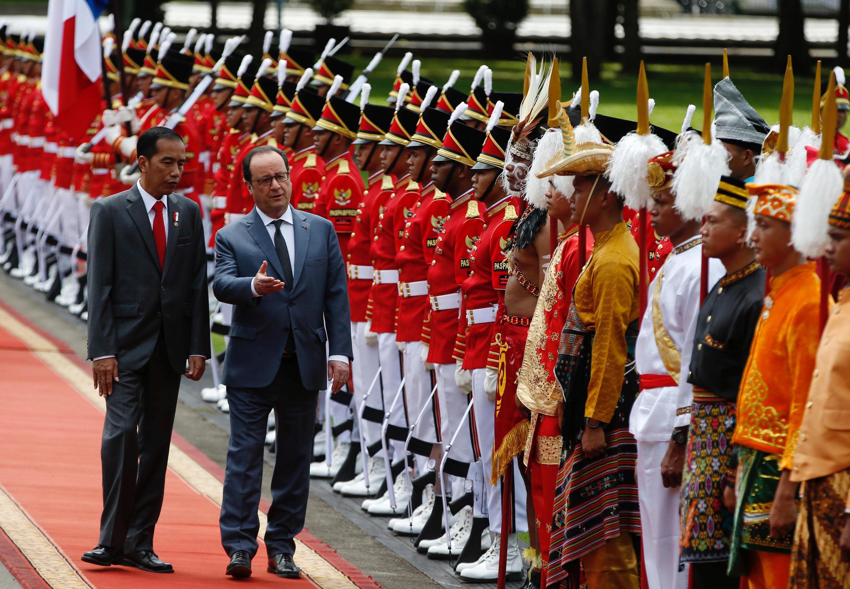 Joko Widodo et François Hollande au palais présidentiel à Jakarta, le 29 mars 2017.
