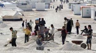 De jeunes réfugiés syriens dans le camps de Zaatari, le 20 novembre 2013.