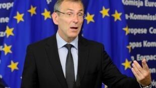 Le commissaire européen au développement, Andris Piebalgs, lors d'une conférence de presse au siège de l'Union européenne à Bruxelles, le 1 juin 2012.