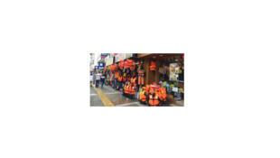 A Izmir, le commerce de gilets de sauvetage fait florès. Pas toujours aux normes.