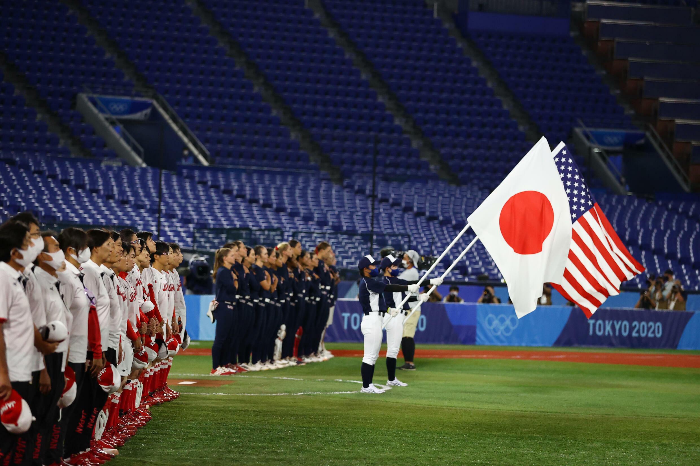 2021年7月27日東京奧運會上,日本壘球隊與美國壘球隊爭奪金牌。