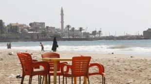 Une plage désertée de Saïda, dans le sud du Liban.