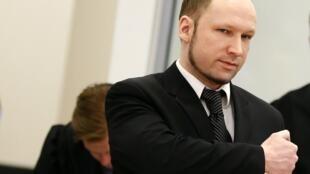 Anders Breivik, no terceiro dia de julgamento, no dia 18/04/2012.