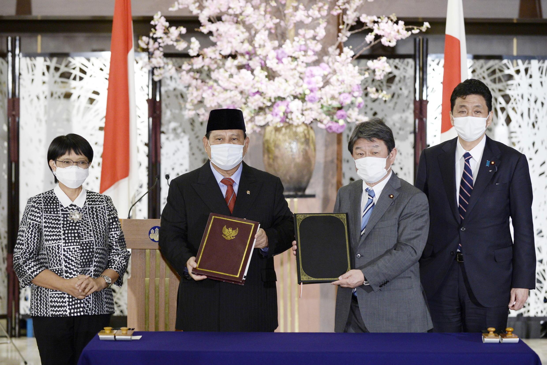 日本與印度尼西亞防長、外長資料圖片
