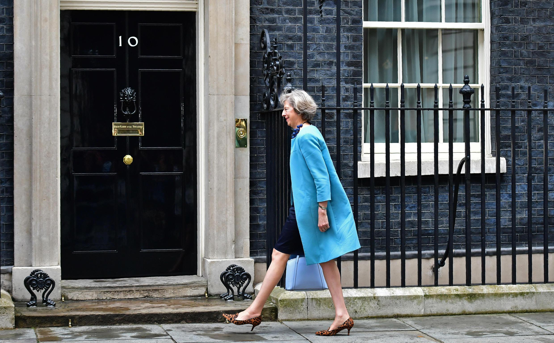 A Conservadora Theresa May deu mais um passo para se instalar no n° 10 Downing Street.