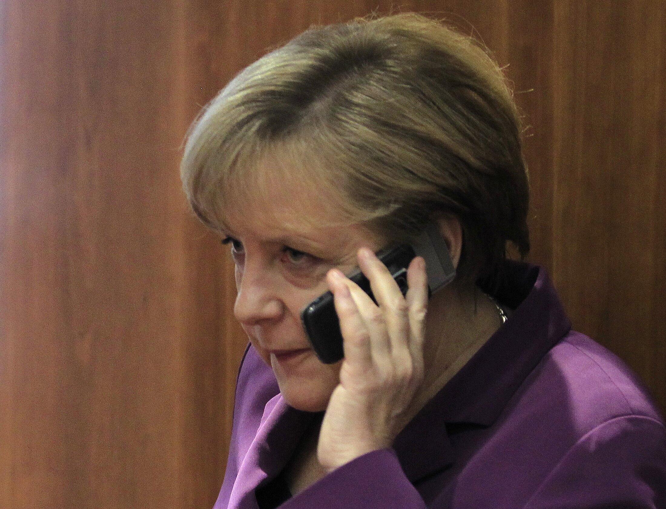 A chanceler da Alemanha, Angela Merkel, pode ter tido seu celular monitorado pelo governo dos Estados Unidos.