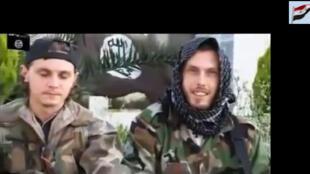Abu Abd Al Rahman (phải) : các nhóm thánh chiến tuyên ttruyền qua internet để tuyển binh từ khắp nơi - Reuters