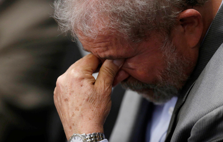 Rais wa zamani wa Brazil, Luiz Inacio Lula da Silva, wakati wa hotuba ya Dilma Rousseff.
