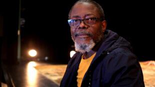 L'acteur et metteur en scène ivoirien Fargass Assandé a présenté au Festival des francophonies Zébrures d'Automne, à Limoges, la première de « Là-bas ».