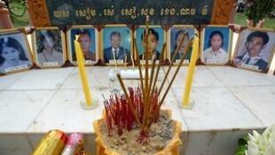 Nơi tưởng niệm các nạn nhân của vụ giết người bằng lựu đạn, gần nhà Quốc hội Cam Bốt, tháng 3/1997.