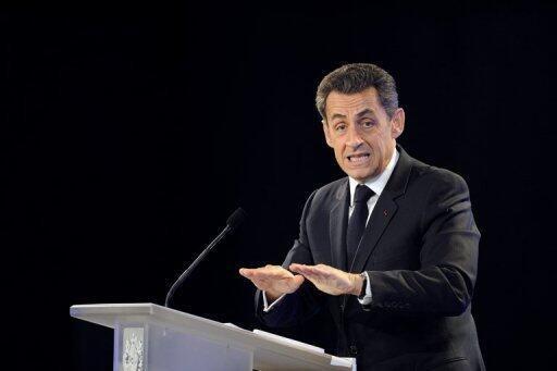 Sarkozy faz uma aposta econômica definida como um suicídio político por deputados de sua própria base parlamentar.