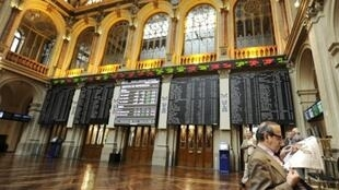 Sàn giao dịch chứng khoán Madrid (AFP)