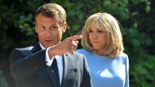 امانوئل ماکرون، رئیس جمهوری فرانسه و همسرش، بریژیت ماکرون