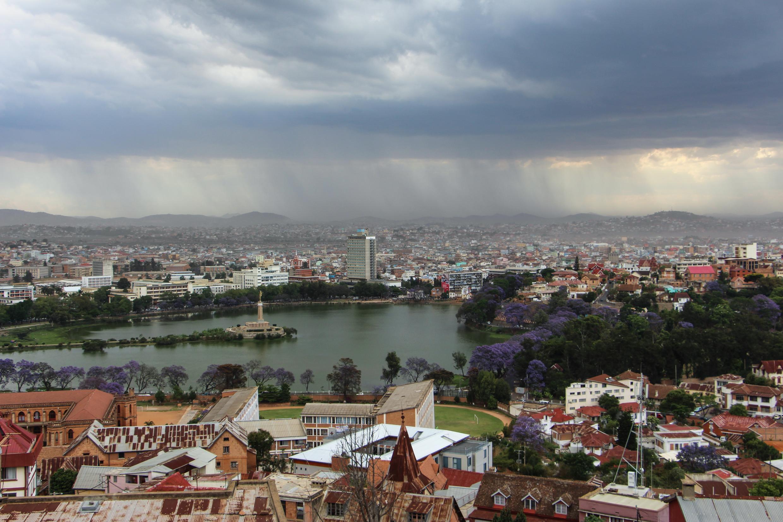 Pour compenser le manque de précipitations, les services météorologiques malgaches ont fait tomber la pluie sur Antananarivo.
