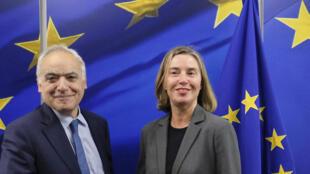L'envoyé spécial de l'ONU pour la Libye, Ghassan Salamé, et Federica Mogherini, haute représentante de l'Union européenne pour les affaires étrangères, le 26 avril 2018 à Bruxelles.