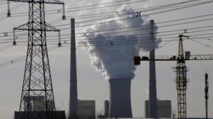 Central de carvão nos arredores de Pequim, capital da China
