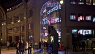 A loja de departamentos Excelsior, em Milão, foi projetada pelo arquiteto francês Jean Nouvel.
