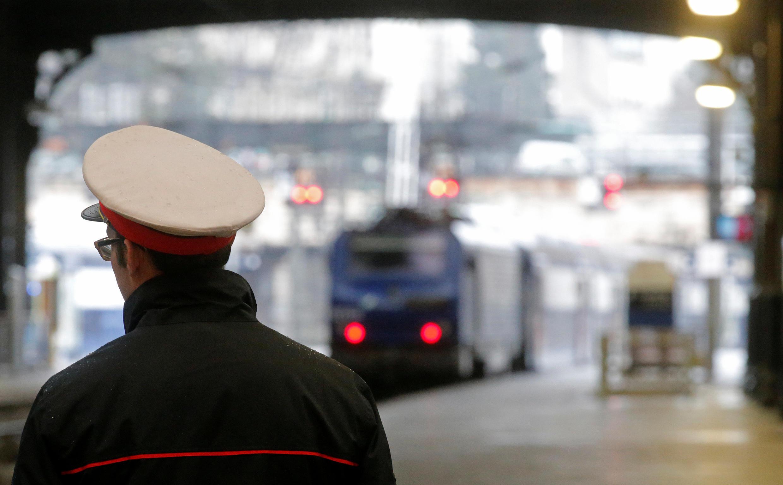 El informe Spinetta contempla el fin progresivo del estatuto de los trabajadores de los ferrocarriles y 9 mil kilómetros de líneas ferroviarias regionales.