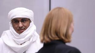 Le jihadiste présumé Al-Hassan est poursuivi à la CPI pour crimes contre l'humanité et crimes de guerre commis lors de l'occupation de Tombouctou.