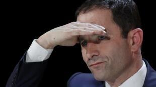 O candidato socialista Benoît Hamon enfrenta um horizonte incerto.