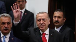 Des dizaines de milliers de fonctionnaires turcs ont été limogés depuis le putsch manqué de juillet 2017 contre le président Erdogan.