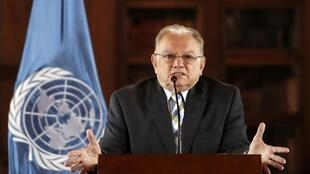 Phái viên Liên Hiệp Quốc về người tị nạn Venezuela, ông Eduardo Stein, trong một cuộc họp báo tại Bogota ngày 25/04/2019.