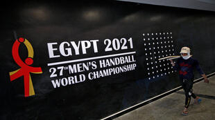 handball 2021-01-12T233642Z_904761582_RC2N6L9X4XUY_RTRMADP_3_HANDBALL-WORLD 2