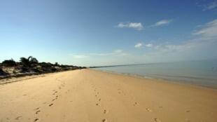 La plage de Tuléar, au sud-ouest de Madagascar, à quelques kilomètres de l'endroit où les deux Français ont été retrouvés morts..