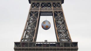 Quảng trường Champs de Mars - Paris, khu dành cho cổ động viên lớn nhất nước Pháp trong mùa Euro 2016.
