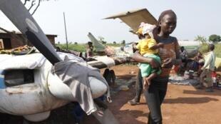 A Bangui, des milliers de déplacés avaient trouvé refuge à l'aéroport MPoko, juste à côté du camp des militaires français.