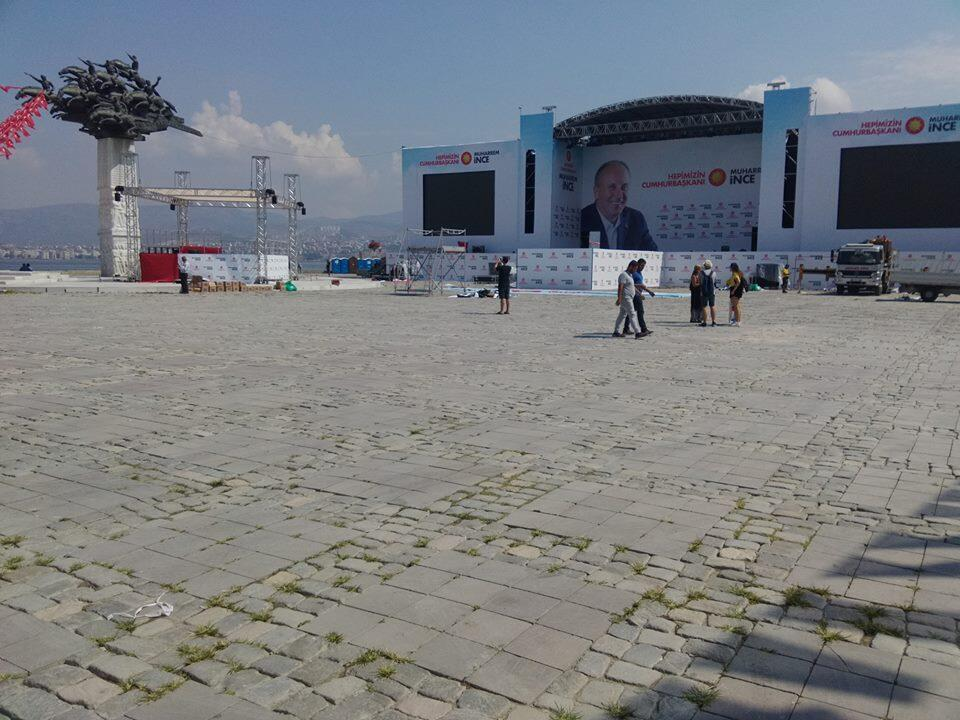 Izmir awaits ... the stage from which Muharrem Ince was to speak on Thursday evening
