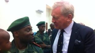 Germain Katanga et son conseiller principal, à l'issue de l'audience du 3 février 2016, à Kinshasa.