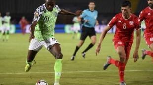 Victor Osimhen (en vert), ici à la CAN 2019, a relancé le Nigeria en égalisant face au Bénin.