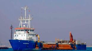 Le bateau belge, le Pompéi, pris en otage par des pirates somaliens alors qu'il faisait route vers les Seychelles, le 18 avril 2009.