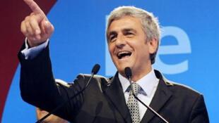 Hervé Morin disse esperar tranquilamente a decisão do presidente brasileiro, prevista ainda para o mês de julho.