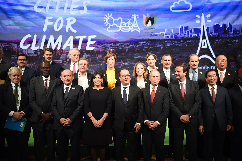 Cúpula Mundial das Autoridades Locais reuniu mais de 700 prefeitos de várias cidades do mundo nesta sexta-feira (4), no Le Bourget, onde está sendo realizada a COP 21.