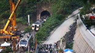 Taiwan crash train