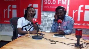 mwanamuziki Barnaba Boy na Ali Bilali Studio za RFI Kiswahili Dar Es Salaam Agost 11