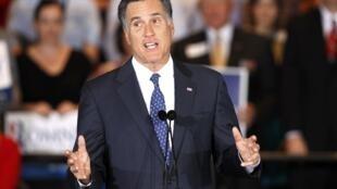 O pré-candidato Republicano, Mitt Romney, durante campanha em Illinois, nesta terça-feira.