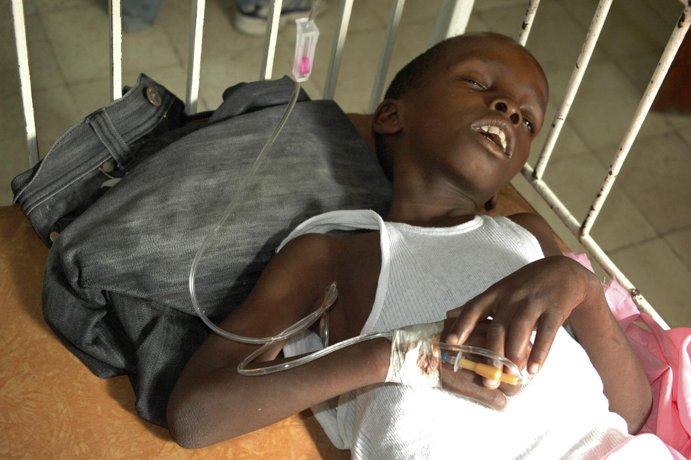 飽受霍亂之苦的海地兒童