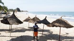 Une plage de Banjul en Gambie. (Photo d'illustration)